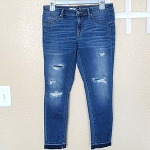 Mossimo Mid Rise Jegging Crop Distressed Size 4/27
